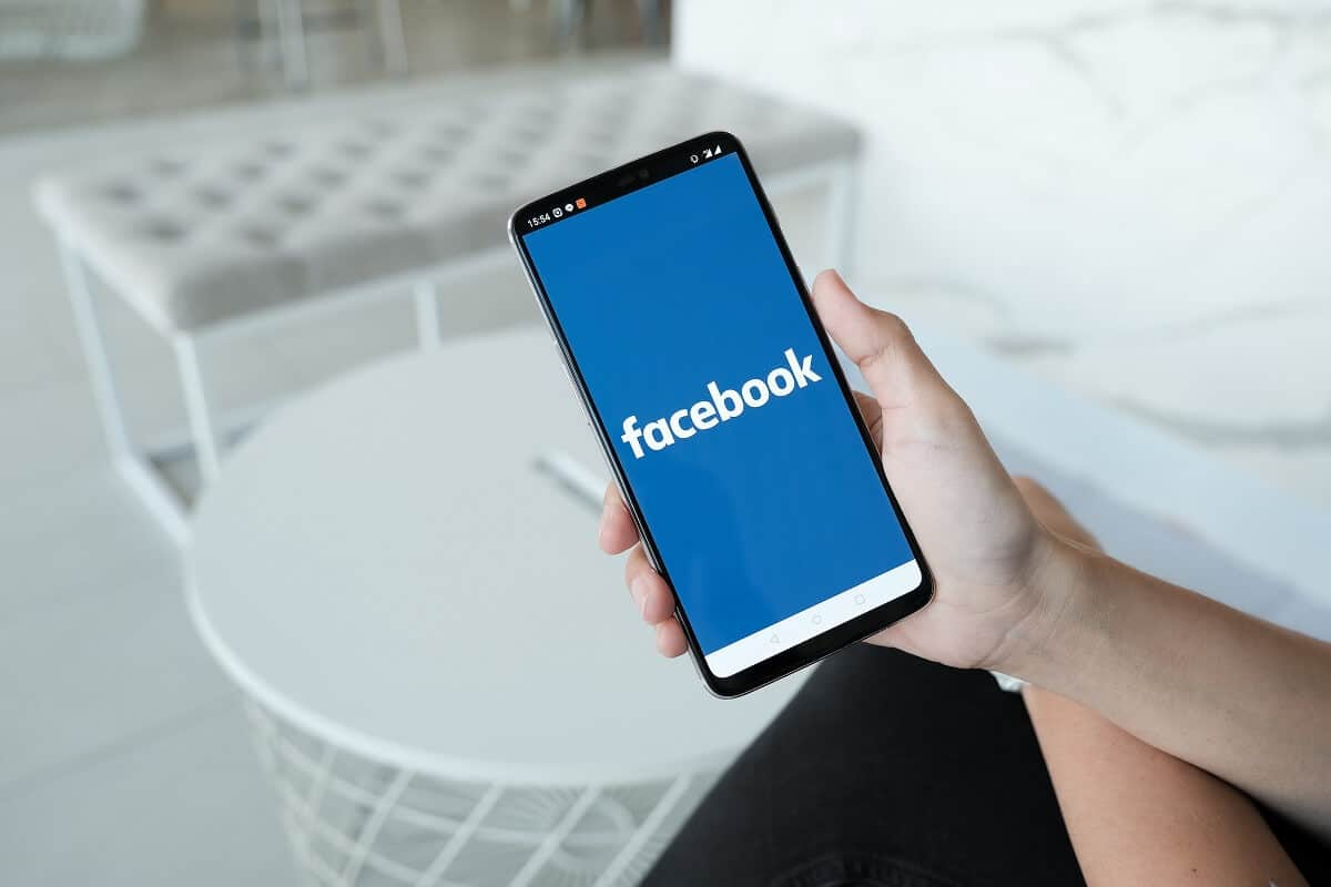 Why is Facebook losing its popularity?