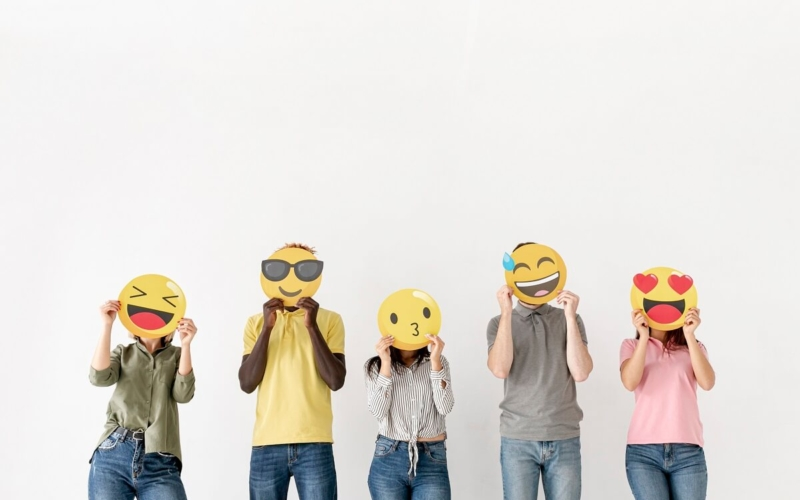 Why-some-people-never-use-emojis