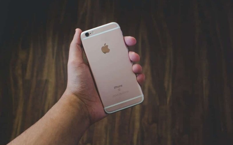 Why-some-people-think-the-iPhone-is-the-best-phone
