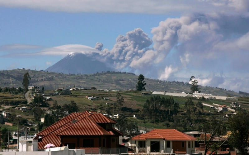 Why-do-people-live-near-Volcanoes