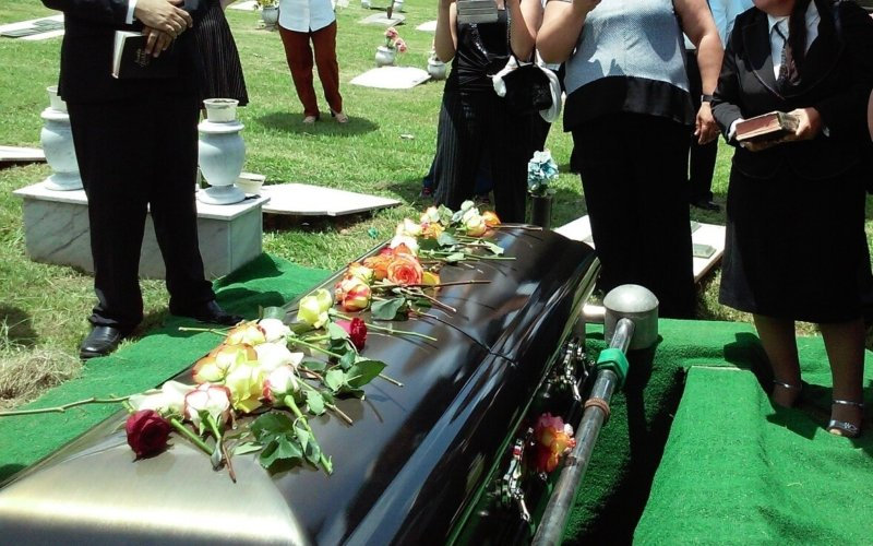 Why-do-we-laugh-at-funerals