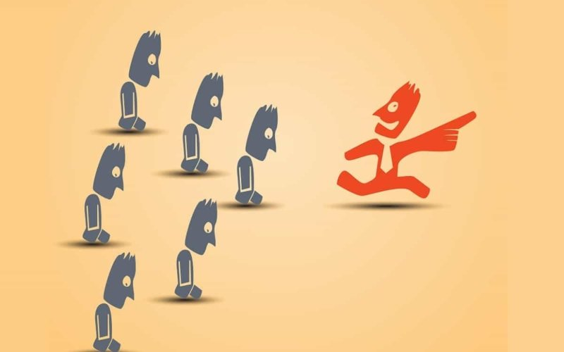 Why-you-should-not-follow-the-crowd