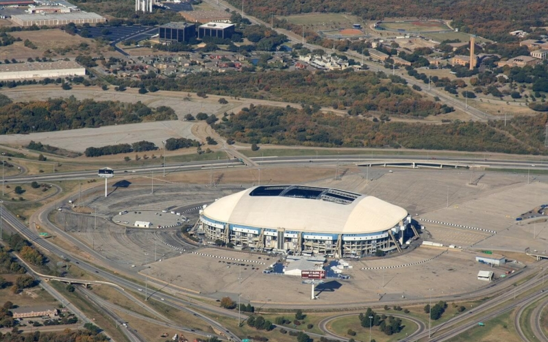 Why is There a Hole in Texas Stadium?