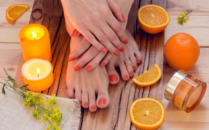 What-is-the-difference-between-a-Manicure-and-a-Pedicure