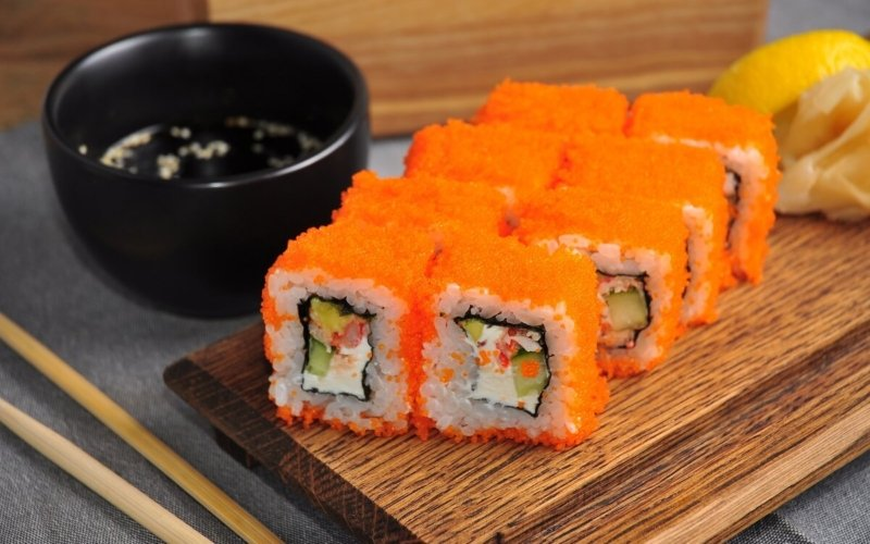 What's the difference between Tobiko and Masago?